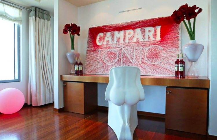 CampariRedHouse_3